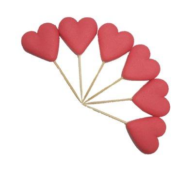 לבבות אדומים על קיסם